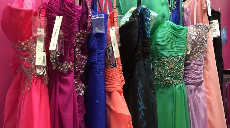 Různé společenské šaty