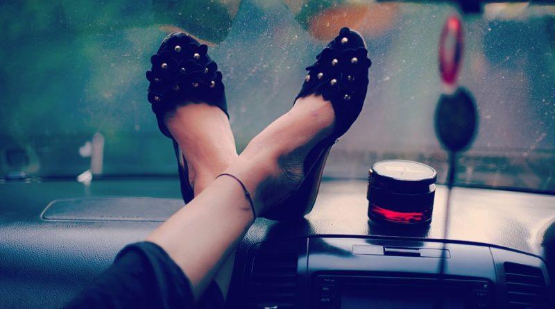 Typy dámských společenských bot. Máte od každého druhu pár?