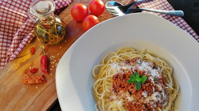 Recept do 30 minut? Boloňské špagety mohou být obědem i večeří